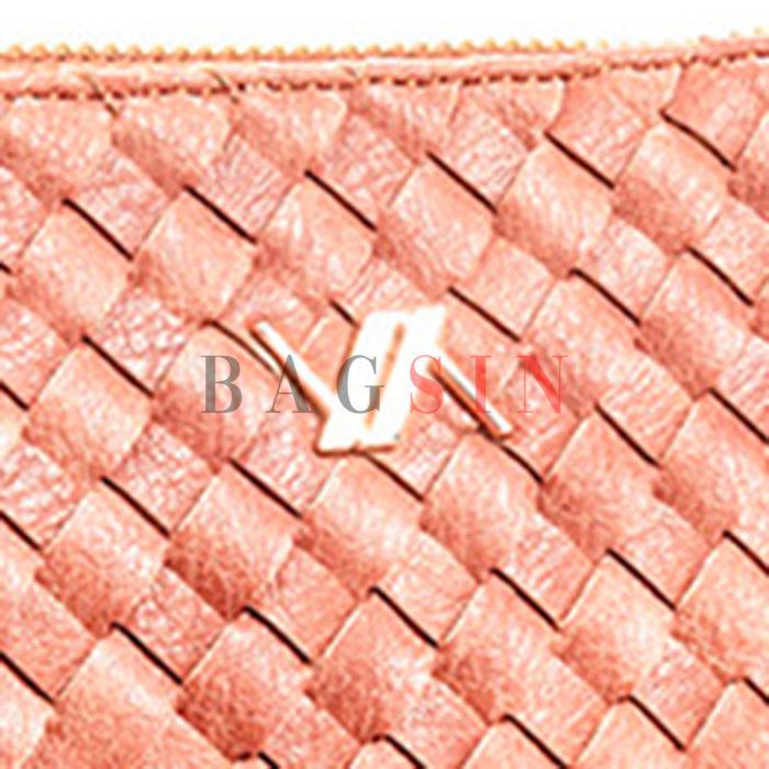 Τσάντα Χειρός – Φάκελος Με Πλεκτό Σχέδιο & Λαβή Verde 16-6034 Κοραλί