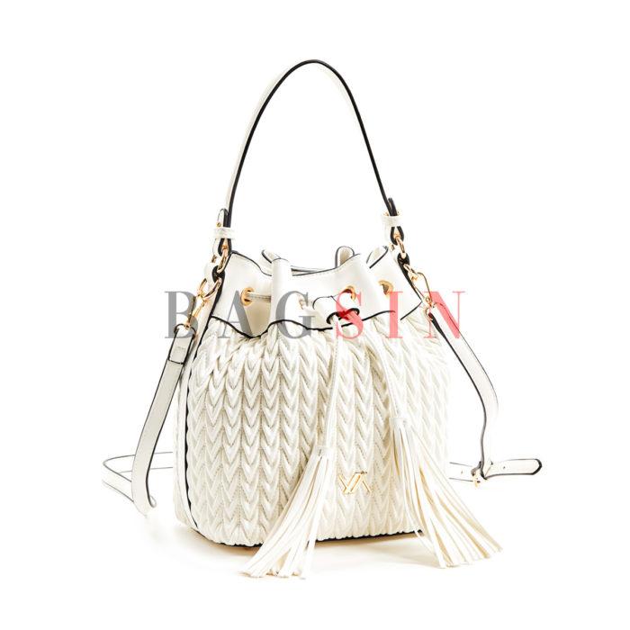 Τσάντα Ώμου – Πουγκί Καπιτονέ Με Κρόσσια Verde 16-5850 Λευκή