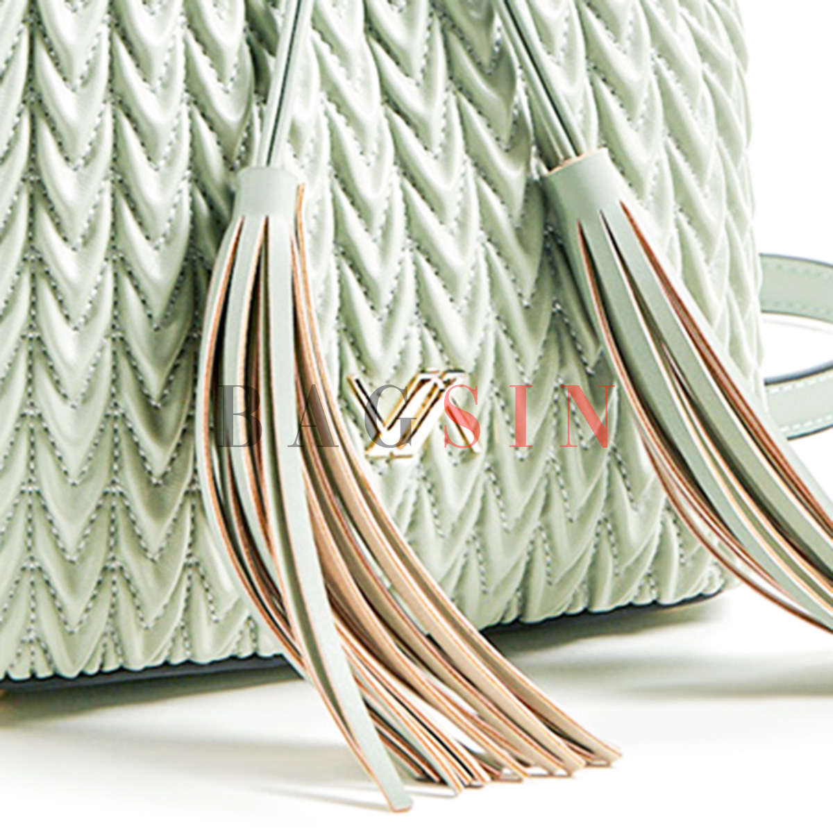 Τσάντα Ώμου – Πουγκί Καπιτονέ Με Κρόσσια Verde 16-5850 Μέντα